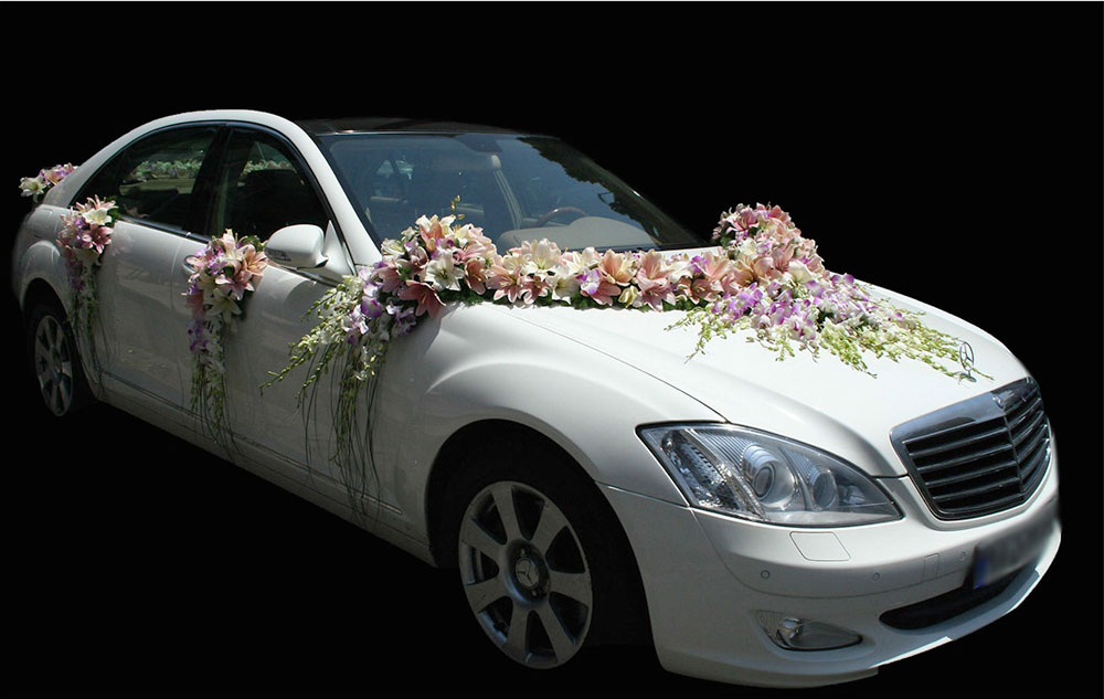 Pink Lily Wedding Car Arrangement