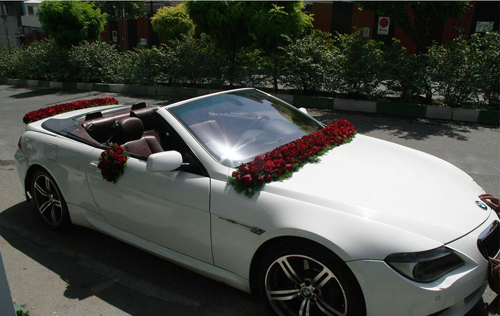 Red Rose Wedding Car Arrangement