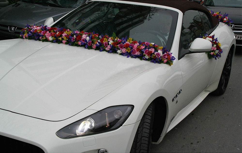 Tropical Wedding Car Arrangement
